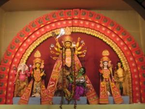 Imagem de Durga no santuário de Kolkata do Sul. Foto de Aparna Ray.