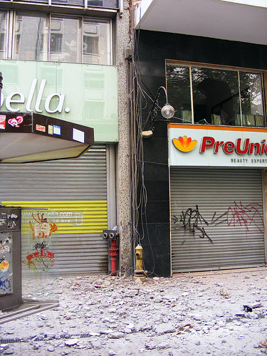 Santiago após o terremoto, por pviojo. CC-By