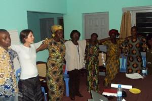 Oficina em Congo-Brazzaville. Foto publicada com permissão do Silence Speaks.