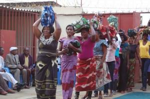 Dança tradicional na festa do casamento, foto do blog Teto de Estrelas