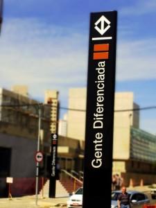 Imagem do perfil Gente Diferenciada no Facebook - a hipotética estação de metrô