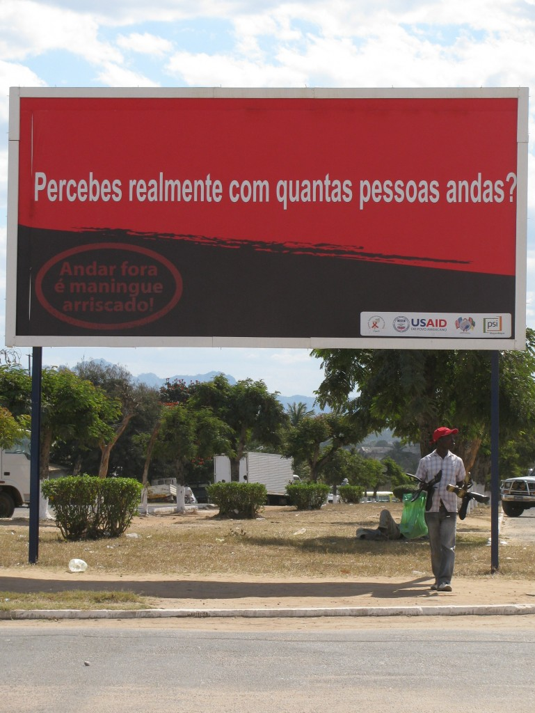 "The expression ""wandering outside is maningue risky"" means ""to betray is very risky."" Maningue is a typically Mozambican word which means ""very"" and comes from ""many"" in English. All the countries that border Mozambique have English as an official language. Image by Amanda Rossi, used with permission."