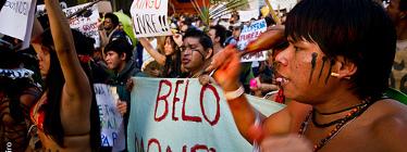 Comunidades indígenas protestam na Avenida Paulista, em protesto de junho de 2011. Foto por Pedro Ribeiro no Flickr. CC-BY-NC 2.0