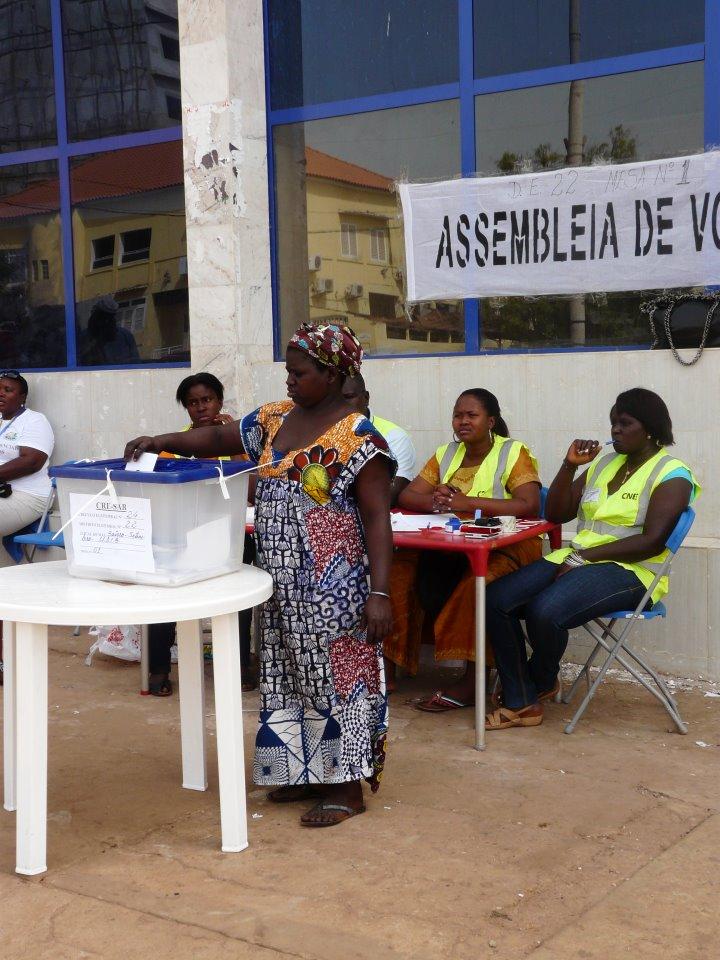 Assembleia de Voto. Foto de Helena Ferro de Gouveia no Facebook