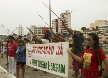 Indigenous protest against Decree Law 303/12 in Manaus