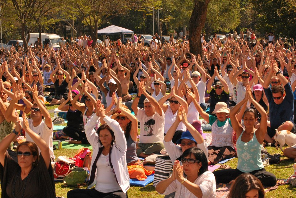 Yoga for Peace at the Ibirapuera Park, August 2012. Photo by Rodrigo Maciel for disclosure