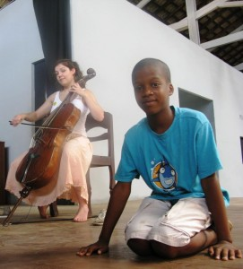 """Foto partilhada no álbum """"Portugal Contemporâneo Com São Tomé e Príncipe"""" da página de Facebook da Pantalassa (usada com Permissão)."""