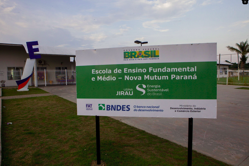 Escola construída para comunidade de ribeirinhos que foi repassada para grupo particular Foto: Marcelo Min