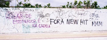Cartazes e pixações marcaram o protesto em Fortaleza, Ceará Foto: Laryssa Sampaio/Marcha Mundial das Mulheres