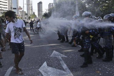 "Guards used pepper spray to disband protesters. Photo taken from the Facebook page ""Dunas do Cocó"""
