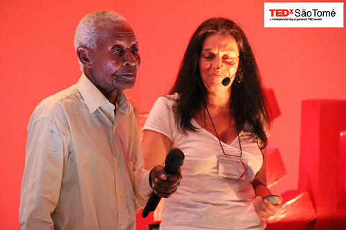 Sun Pontes and Maria do Céu Madureira at the first TEDx São Tomé conference, 06/20/2013. (used with permission)