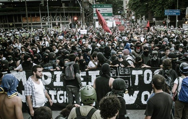 Photo of a protest in Brazil in January 2014, by Mídia Ninja, republished by Agência Pública.