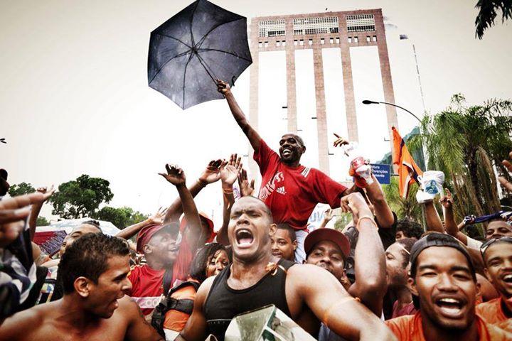 Renato Sorriso em manifestação de garis. Foto de Mídia Ninja, uso livre.
