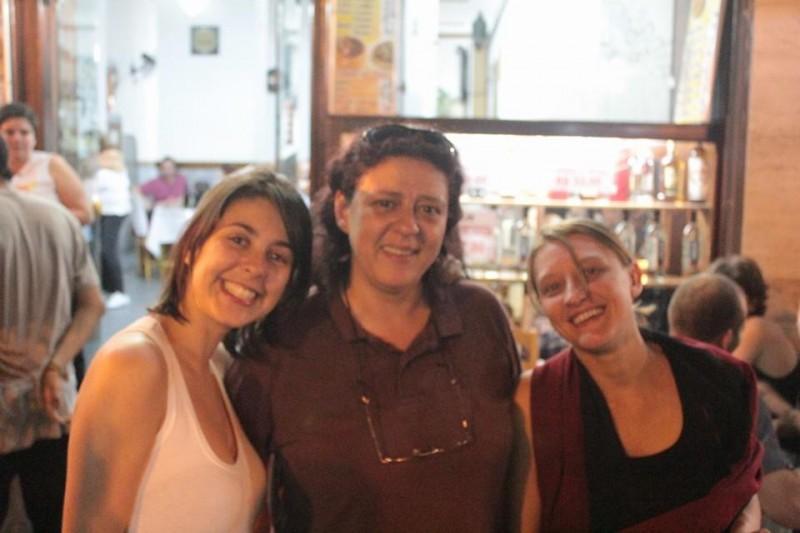 Elisa Quadros (Sininho), Eloisa Samy e Camila Jourdan. Foto de Silnei L Andrade//Coletivo Mariachi, usada com permissão.