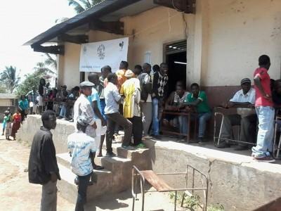Eleições no posto de votação em Moçambique. Foto do Txeka