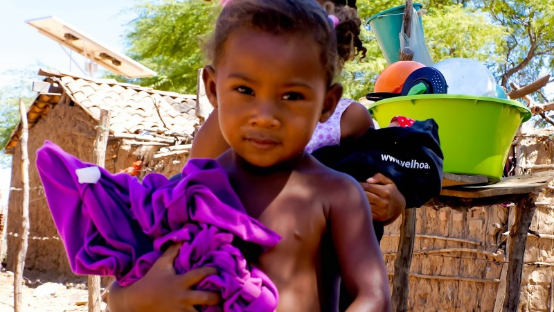 A girl and her doll, in Xique-Xique city, Bahia. Photo by Markileide Oliveira, published with permission.