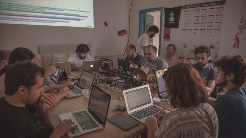 Encontros aconteceram no Garoa Hacker Clube, em São Paulo, em setembro.