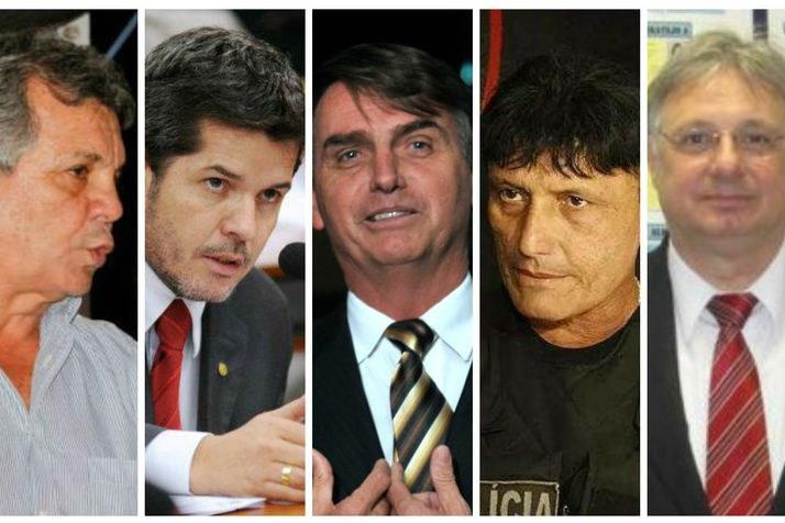 A bancada da bala na Câmara dos Deputados em Brasília. Da esquerda para direita, Alberto Fraga, Delgado Waldir, Jair Bolsonaro e Moroni Torgan. Reprodução/Facebook