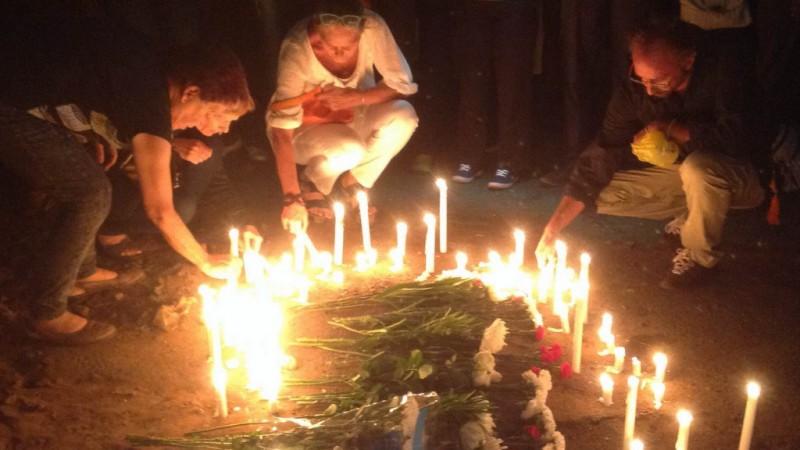 Vigilia de homenagem a Giles Cistac. Foto: Dercio Tsandzana