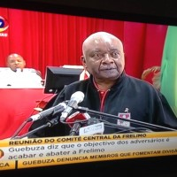Armando Gebuza na reunião do Comité Central da Frelimo. Foto: Imagem de tela da tv por Dércio Tsandzana