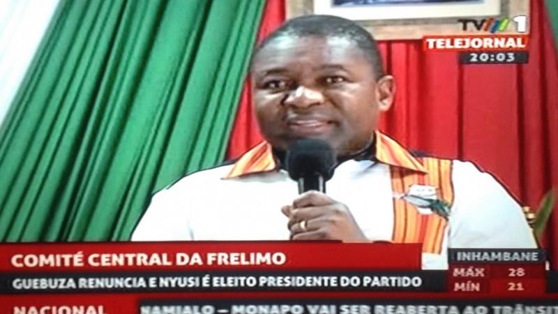 Filipe Nyusi durante o Comité Central da Frelimo. Foto: Imagem de tela da tv por Dércio Tsandzana.