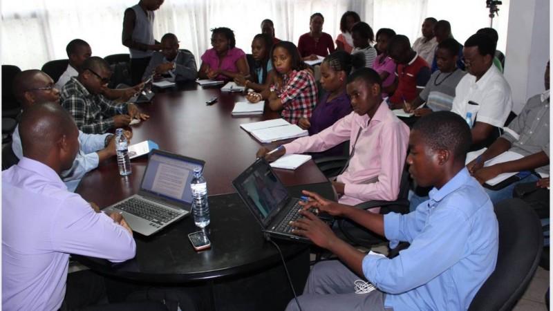 Debate sobre Jornalismo Móvel, em Maputo. Foto: IREX, reprodução autorizada