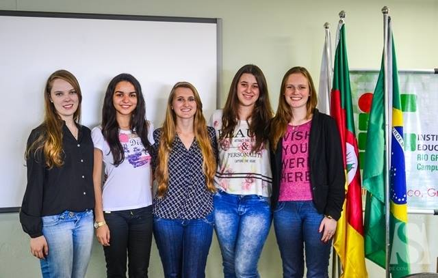 Grupo de estudantes do Rio Grande do Sul criou o Helping Hand, site e aplicativo para ajudar imigrantes e refugiados.  Crédito: Bruna Maria de Moura