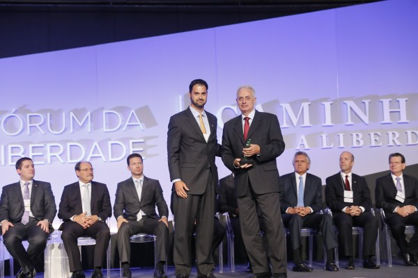 "William Waack recebe o prêmio ""Liberdade de Imprensa"". Foto: Felipe Gaieski"