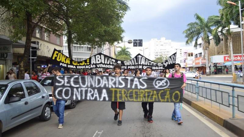 Secundaristas em luta em Goiás. Foto: Reprodução/Youtube