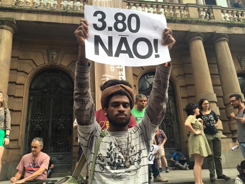 El pasaje de trenes, autobuses y metro en la ciudad de São Paulo ha aumentado de 3,50 para 3,80 na semana passada. Foto: Território Livre, uso permitido.