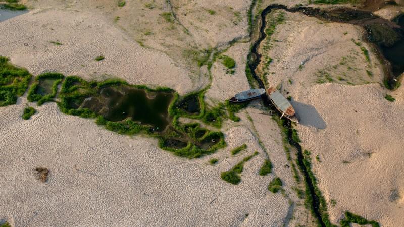 La sequía del rio Tapajós en la región de Santarém y Alter del Chao. FLAVIO FORNER/XIB…/INFOAMAZONIA