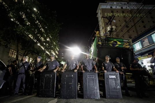 Policiais em formação na PUC-SP. Foto via Alice V/Democratize