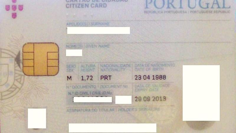 Frente do Cartão de Cidadão Português. Foto: PT Joel (Own work) Wikimedia Commons