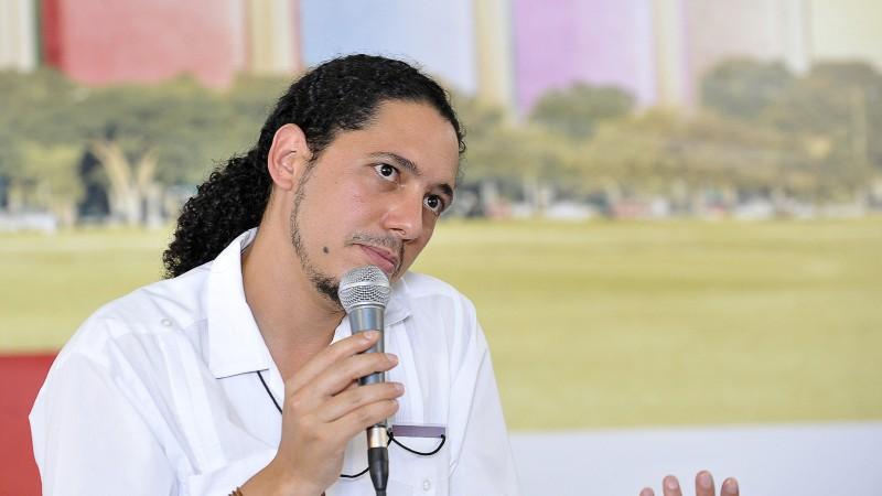 Brasília - O escritor angolano Ondjaki participa da 1ª Bienal do Livro e da Literatura (2012). Foto: Elza fiúza/ABr (CC BY 3.0 br)