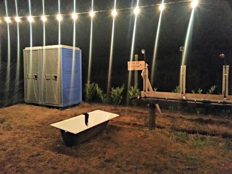 Casas de banho do parque de campismo. Foto: Manuel Ribeiro