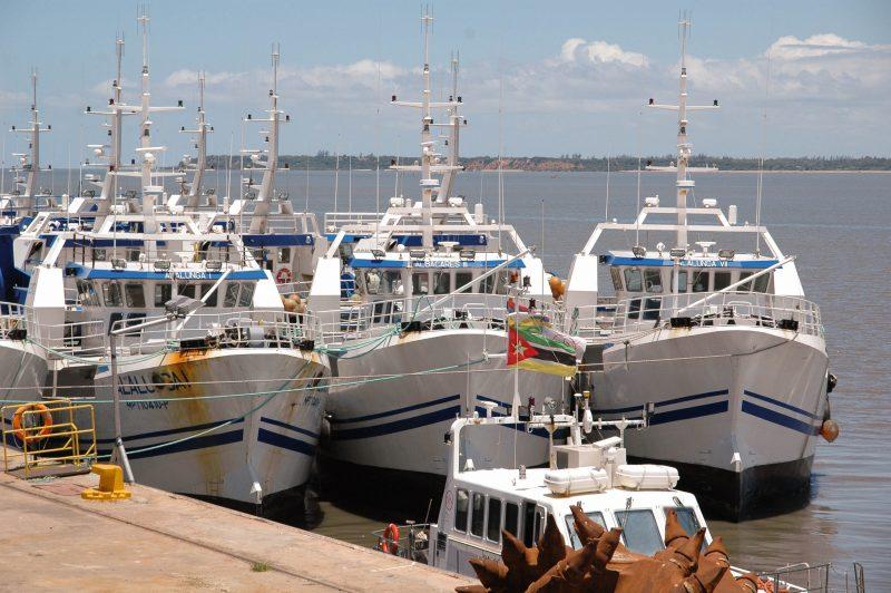 Barcos da EMATUM atracados no porto. Foto: Manuel Ribeiro/GV