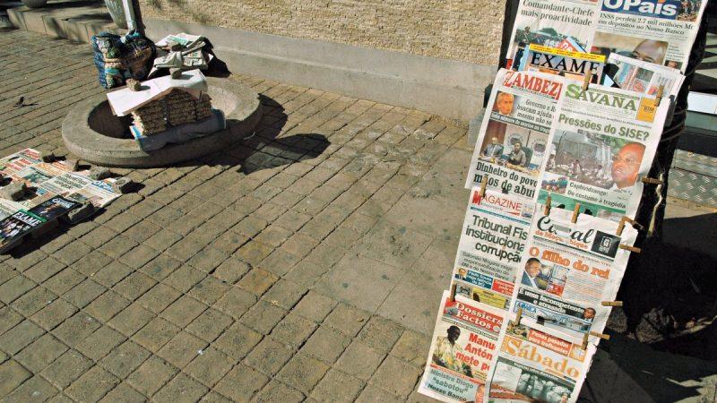 Banca de Jornais em Maputo. Foto: Manuel Ribeiro/GV