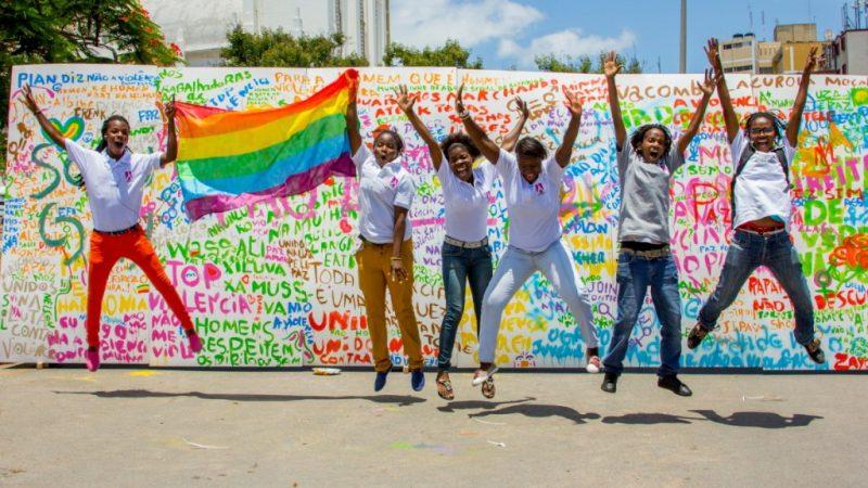 Des membres de l'ONG de défense des droits des LGBT Lambda lors d'un événement en 2013. Photo: Lambda / Flickr, publié avec permission