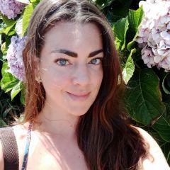 Um retrato de Camilla Gobatti